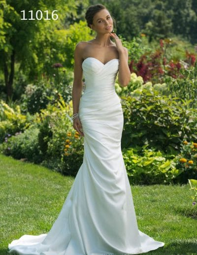 sweetheart wedding dress 11016